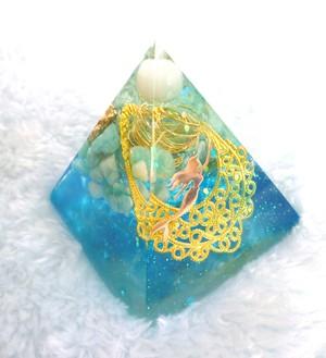 マーメイド・マリンブルー ピラミッド型Sオルゴナイト