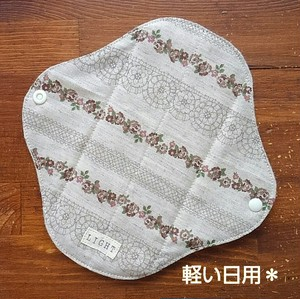 布ナプキン(軽い日用)☆お花とレース柄