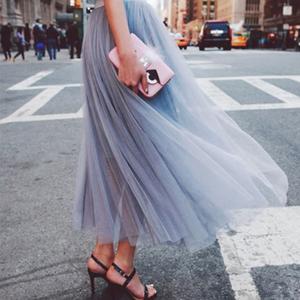 【送料無料】歩くたび風に揺れる フェミニンスタイル ロングチュールスカート 3色