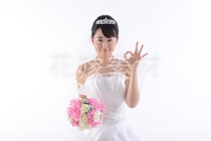 【0090】ブーケを持つ花嫁