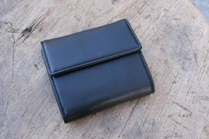 TOMO NARIAI for UNIVERSAL PRODUCTS / BASIC WALLET [BLACK]