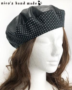 黒猫の刺繍がかわいいベレー帽【1点のみ】