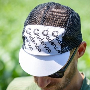 CADENCE / faded mesh cap (white)