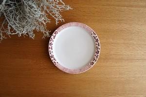 砥部焼/5.5寸リム付皿/赤十草×赤小紋