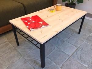 アイアンとパイン材の棚付きローテーブル ナテュラル