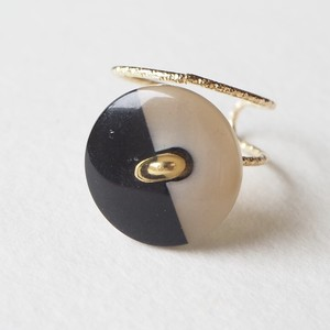 307.Vintage button ring