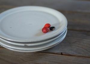 陶器のケーキ皿(白)