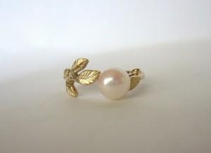 「アコヤ真珠と若草の指輪  受注製作」