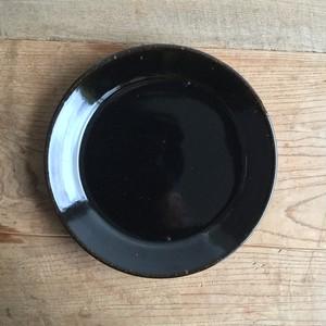 渡邊由紀 7寸リム皿 黒飴