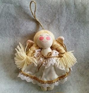ドレスを着た天使