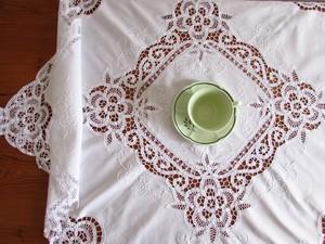 【バテンレースの世界】華やかなバテンレースと白いお花の手刺繍テーブルクロス/ヴィンテージ・フランス・白糸刺繍