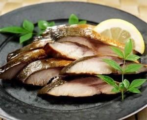 魚屋の鯖の燻製
