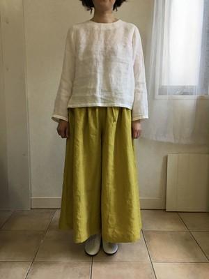 momo リネンフレアパンツ カラーリネン(黄緑)