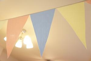 布ガーランド フラッグ 旗 結婚式 パーティー キャンプ 飾り パステルカラフル