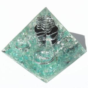 プレミアム ピラミッド クリスタルブルー(黒水晶)