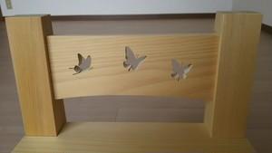 青森ヒバ 木製 キッズチェアー 蝶々(子供椅子だけでなく飾り台や踏み台にも)