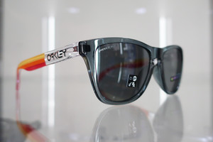 "OAKLEY ""FROGSKINS™ GRIPS COLLECTION (ASIA FIT)"" Crystal Black / Prizm Black"