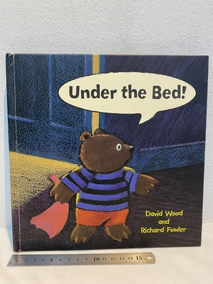 洋書 a pop-up book  Under the bed