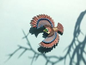 ARRO / 刺繍 ブローチ / Flying bird / pink