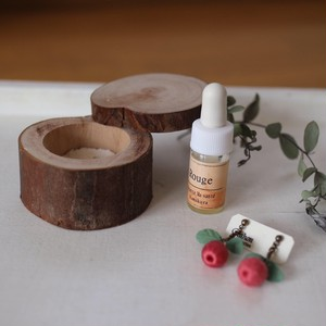 bûche de Noël【Rouge】香りを纏うアクセサリー