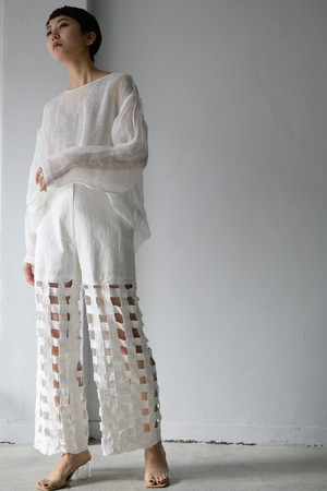 ERiKOKATORi / Tape embroidery pants (white)