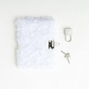 姫系雑貨 真っ白フワフワ♪もこもこ♪ペルシャ猫の秘密の鍵付ノートミニ ポッケットサイズ|通販商品