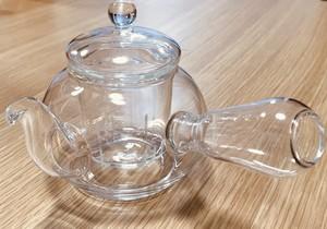 ただいま送料無料【茶器】耐熱ガラス茶漉し付き 日本式急須ポット 1つ