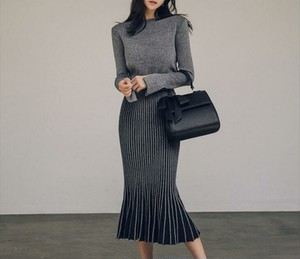 Mermaid pleated skirt & Tops    knit set up