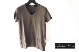 【9月末限定価格】ニコラス&マーク|Nicolas & Mark|Vネック半袖Tシャツ|M|カーキブラウン