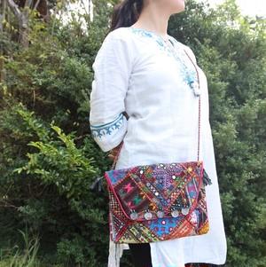 ヴィンテージ刺繍バッグ