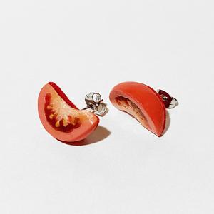 カットトマトのピアス