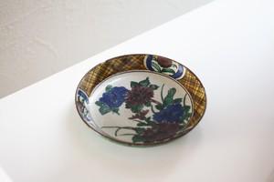 青九谷菊花文小皿 Antique Kutani Polychrome Small Dish with Chrysanthemums Design 19th C
