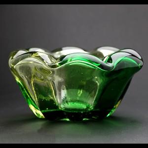 昭和レトロ ガラス 灰皿 緑 (288)