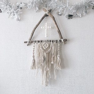 Triangle driftwood dreamcatcher - cross × feather -