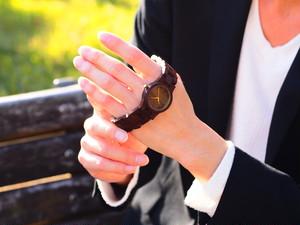 銘木紫檀の腕時計(三つ折りベルトタイプ)