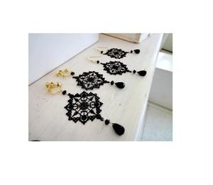天然石のピアス・イヤリング共通デザイン■オニキス■黒のモザイク