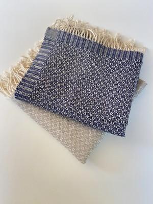 手織りシルクのショール 六花 (HAND WOVEN  SCARF  Rocca )