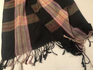 ミャンマー・モン族の手織り大判ショール(黒系)