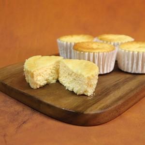 【冷凍便】【冷蔵便と同封不可】半熟チーズケーキ4個入り