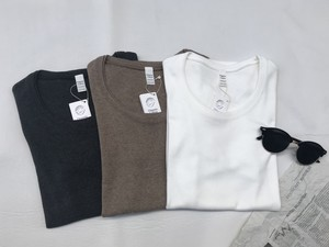 UネックロングTシャツ