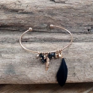 *Limited *Black feather Bangle
