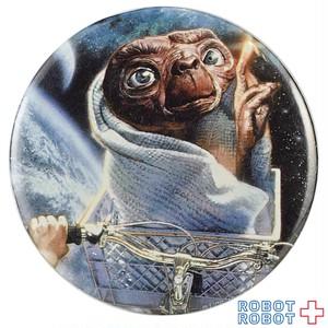 E.T 缶バッジ リオットの自転車のカゴのE.T.