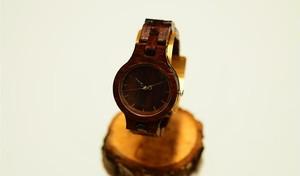 銘木紫檀の腕時計