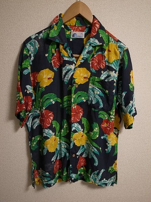 80'S HAWAIIAN SHIRTS