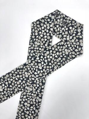 MONO FLOWER ロゴ刺繍半衿