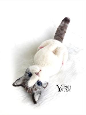 猫 クリップ バッグチャーム リアルフェルティングドール 羊毛フェルト