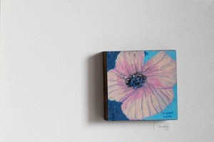 オオヤマネコ作品『花のかけら V』
