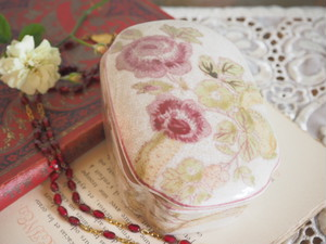 France Brocante フランスブロカント ローズカラー花柄小物入れ