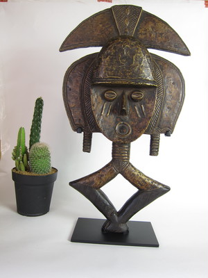 コタ族の守護神像2