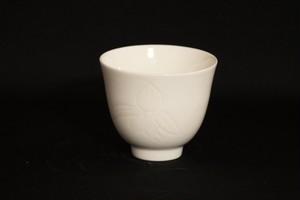 【井上康徳作】白瓷蘭彫文汲出碗
